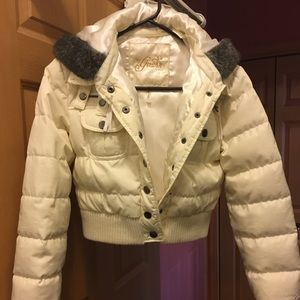 Guess cropped down jacket.  Jr Sz med/women small